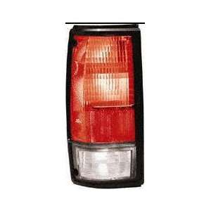 91 93 GMC SONOMA PICKUP TAIL LIGHT LH (DRIVER SIDE) TRUCK