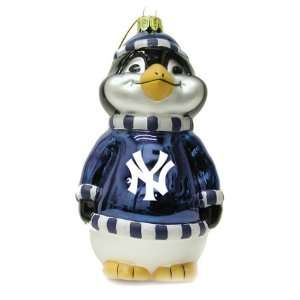 Penguin Christmas Tree Ornament   New York Yankees