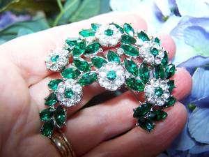 Vtg Crown Trifari Emerald Green & Clr Rhinestone Brooch
