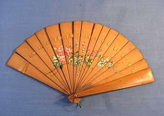 PP4 * WOOD HAND FAN EARLY AND HAND PAINTING 1910S DANCE PARTY ANTIQUE