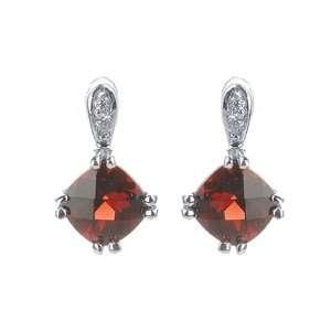 Stunning 2.30 Ct Garnet & Diamond White Gold Earrings