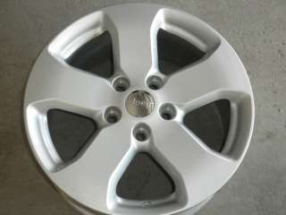 9105 JEEP GRAND CHEROKEE FACTORY 18 WHEEL RIM SILVER