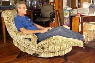 Modern Vibrating Zero Gravity Contour Lounge Chair ~ Nice