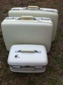 American Tourister Suitcases Luggage Traincase Train Case & Key