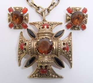 VINTAGE FLORENZA RHINESTONE JEWELED MALTESE CROSS PENDANT NECKLACE