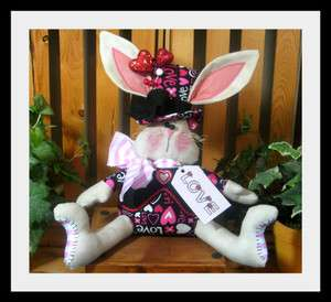 Primitive Valentines Bunny Sitter PATTERN #266 from Ginger Creek