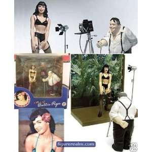 Bettie Page Action Figure Photo Bettie (9781569716533