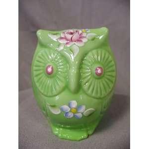 FENTON GLASS ANIMAL Owl   Chameleon Green Handpainted