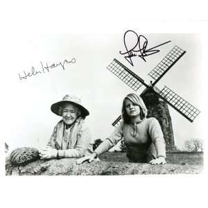 Jodie Foster / Helen Hayes Autographed/Hand Signed 1977 Black & White