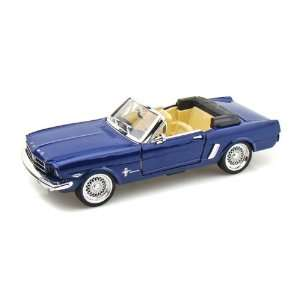 1965 Ford Mustang Convertible 1/24   Blue Toys & Games