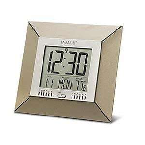 La Crosse Technology WS 9412U Atomic Clock with Indoor Temperature